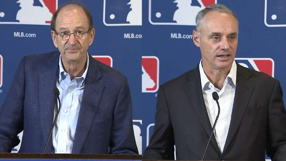 Manfred gets contract extended