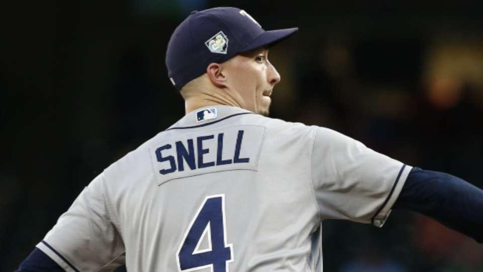 Snyder praises Snell