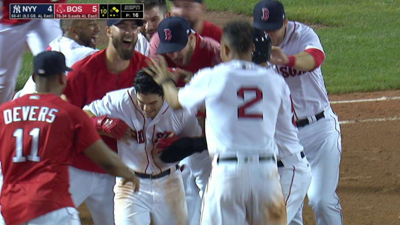 afeb2528b384 Red Sox walk off with sweep of Yankees   MLB.com