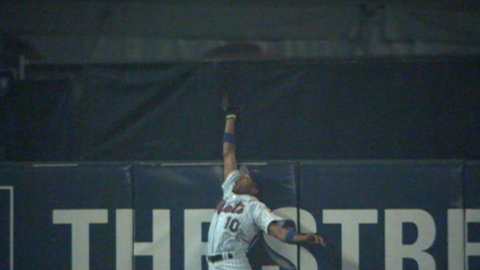 Endy's catch; Beltran frozen