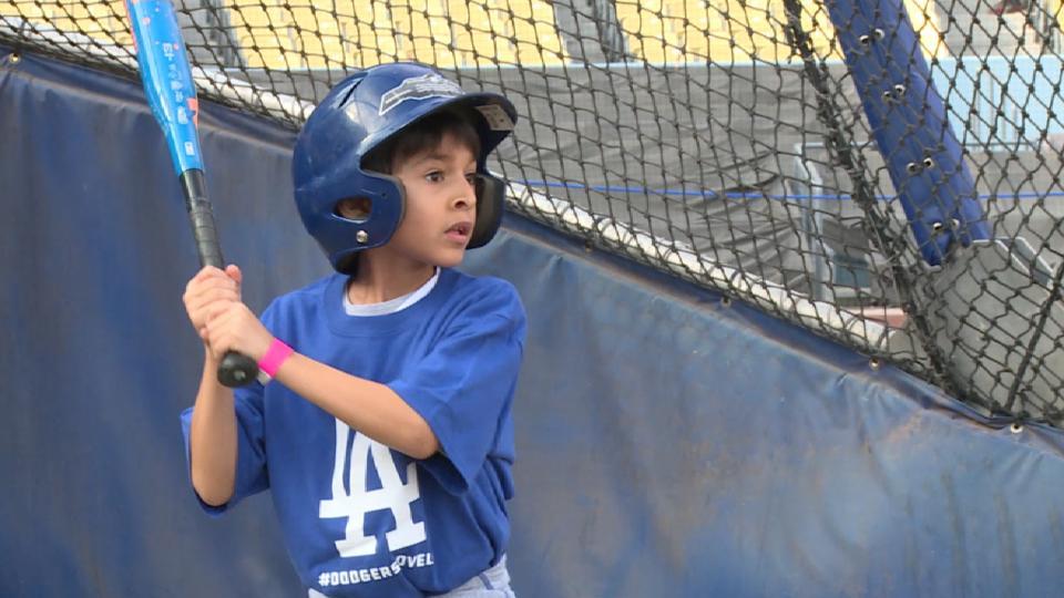 Dodgers Foundation host children