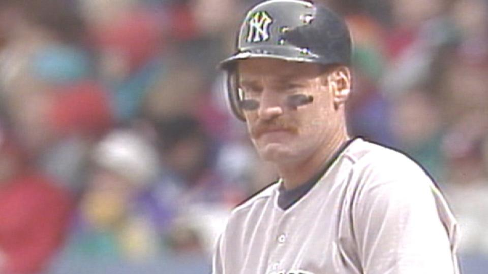 Boggs' first hit with Yanks