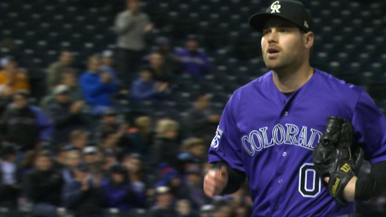 Relief pitcher Ottavino to Yankees on 3-year deal