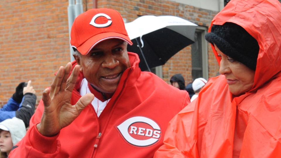 Reds honor Frank Robinson