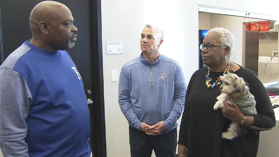 Robinson tours KC Youth Academy