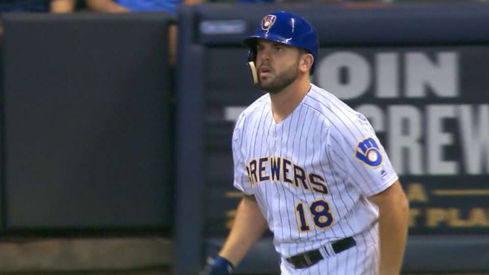 Brewers ink Moose for one year