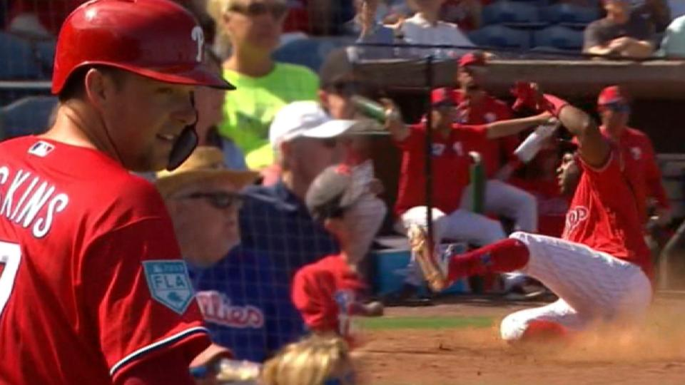 Phils defeat Tigers, 12-7