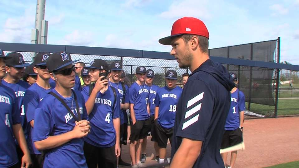 Trea Turner hosts kids at field