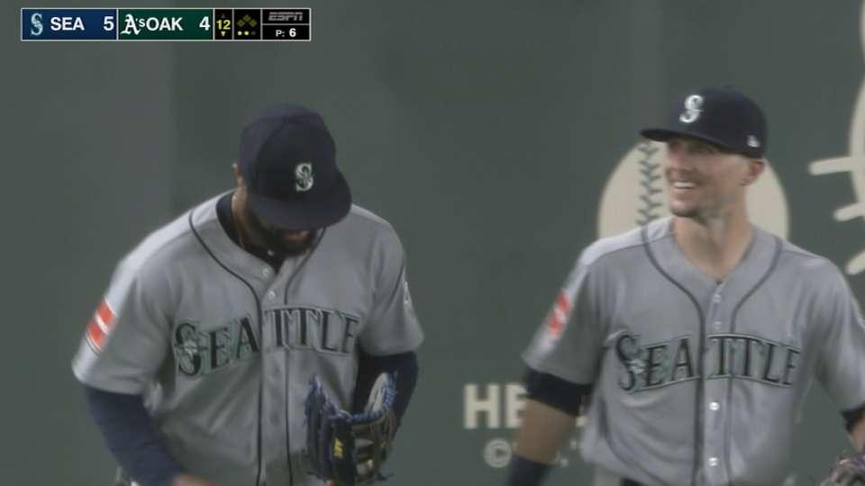 Santana's game-ending catch