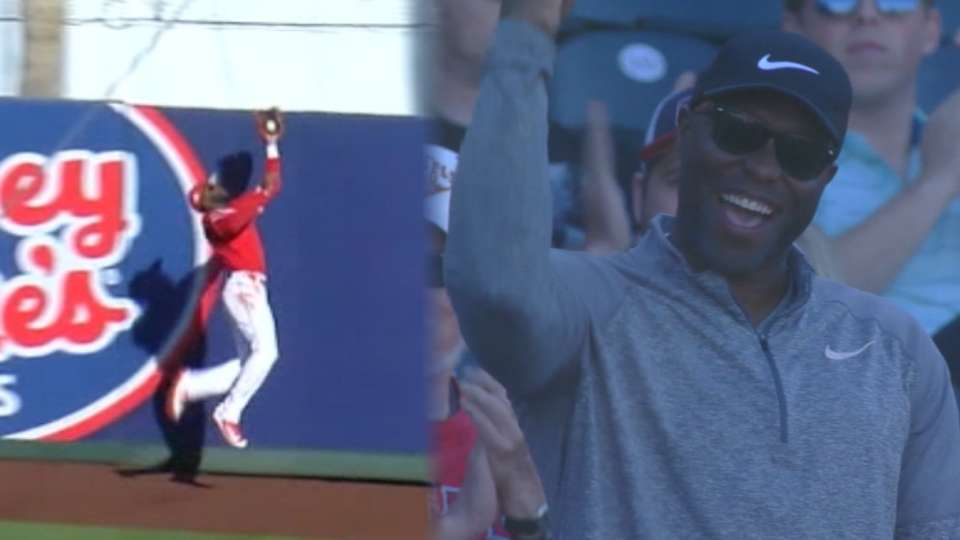Hunter Jr.'s catch impresses dad